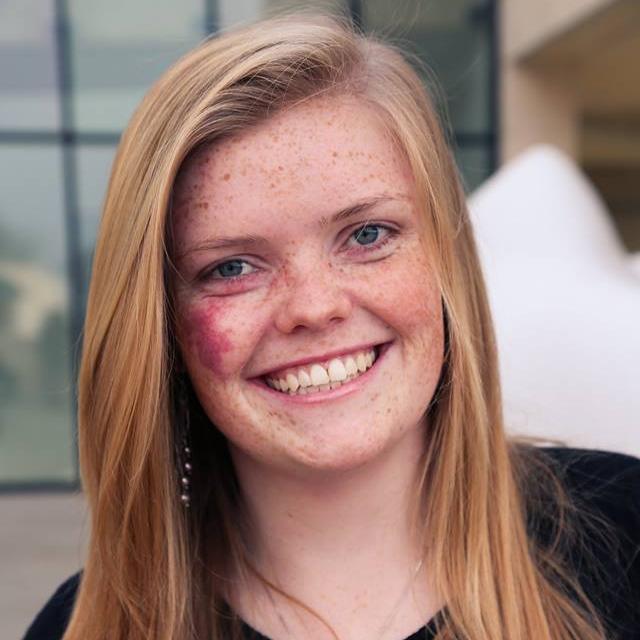 Suzanna Steele headshot